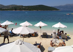 Почему всем так захотелось в Албанию?