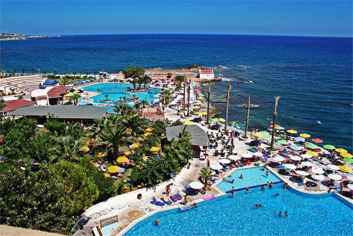 hotel Eri Beach.jpg