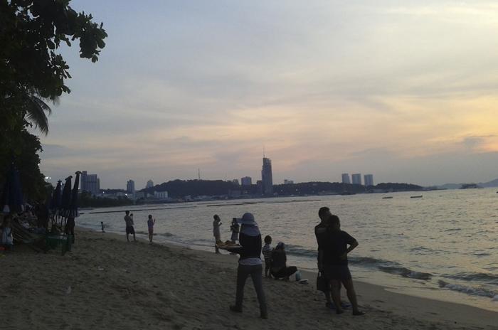 ThaiTraur_700_04.jpg